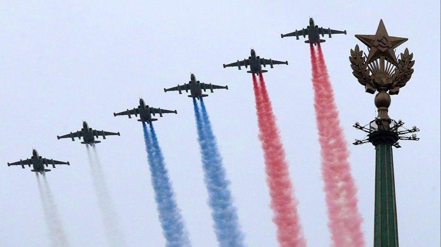 Летят самолеты: как прошли воздушные Парады Победы в разных частях России  видео
