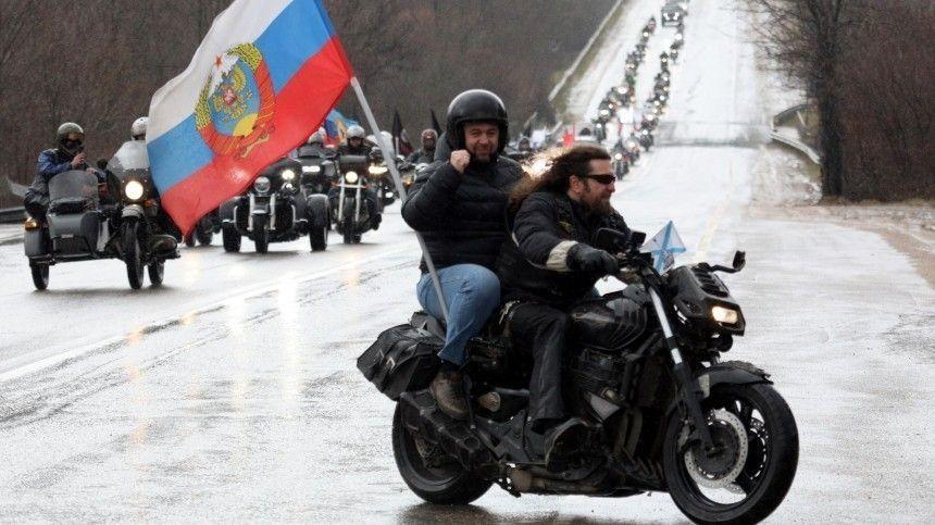 Повидеосвязи российский боец пообщался снемцем, воевавшим врядах французского Сопротивления.