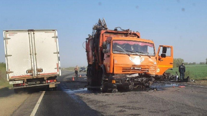 Очевидцы опубликовали фото смертельной аварии усела Погромное всоцсетях.