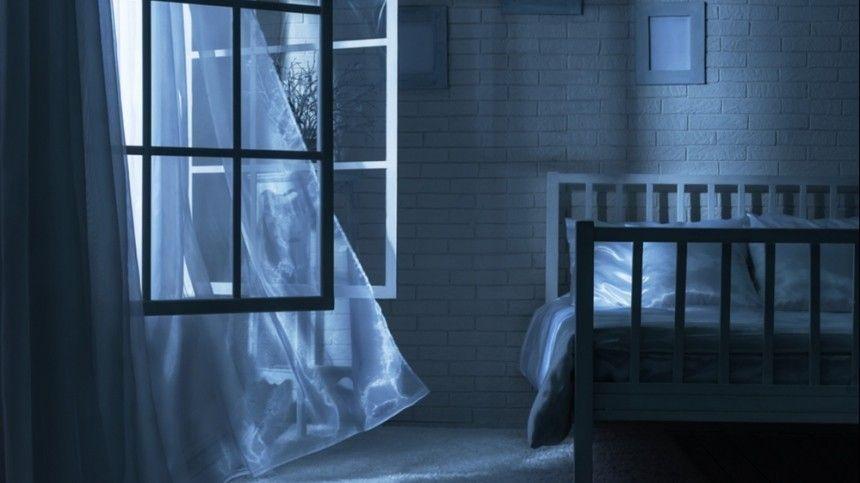Попредварительным данным, мать оставила сына наедине спьяным мужчиной.