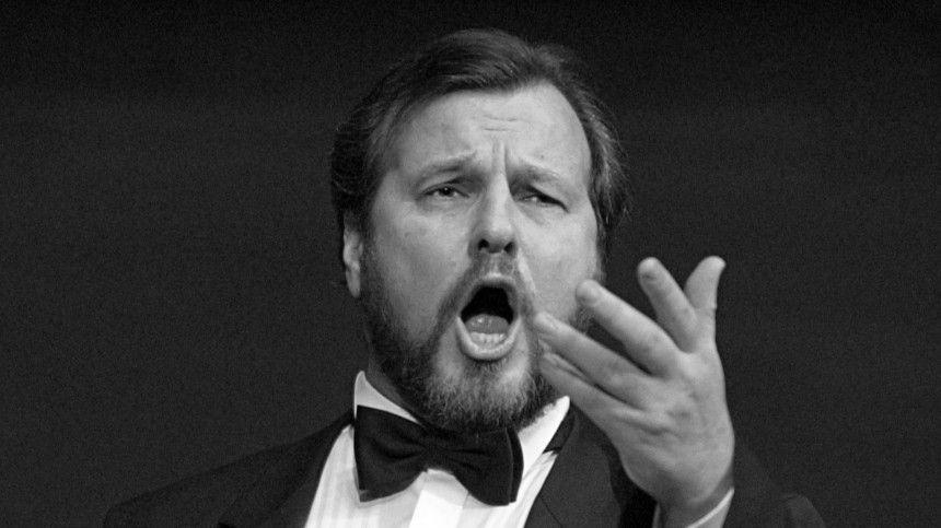 Скончавшийся был ведущим солистом оперной труппы Большого театра.
