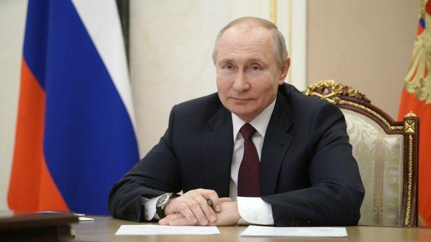 ВКремле объяснили ежедневное присутствие Путина втелеэфире