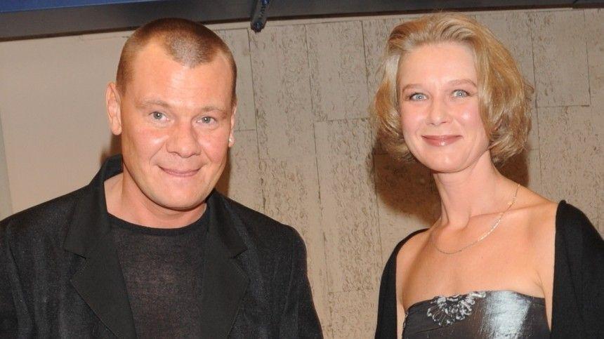 Дарья Михайлова незадолго досмерти мужа разошлась созвездой «Дальнобойщиков». Норазвестись супруги неуспели. В2010 году тот умер.