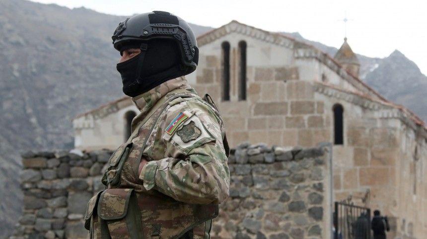 Ранее Ереван заявил опровокации состороны азербайджанской армии.