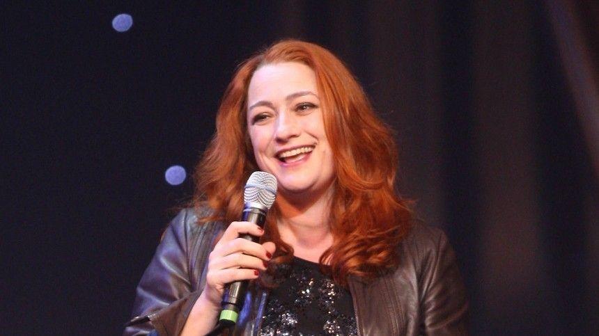 Ирландка Нив Кавана выиграла престижный музыкальный конкурс в1993 году спесней In Your Eyes.