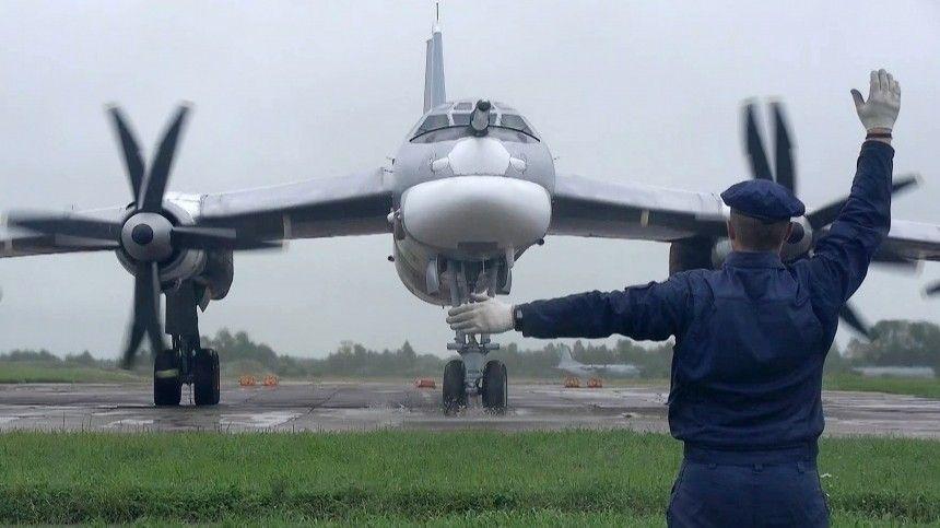 Российские Ту-95МС взяли под контроль корабли Британии и Франции в Черном море