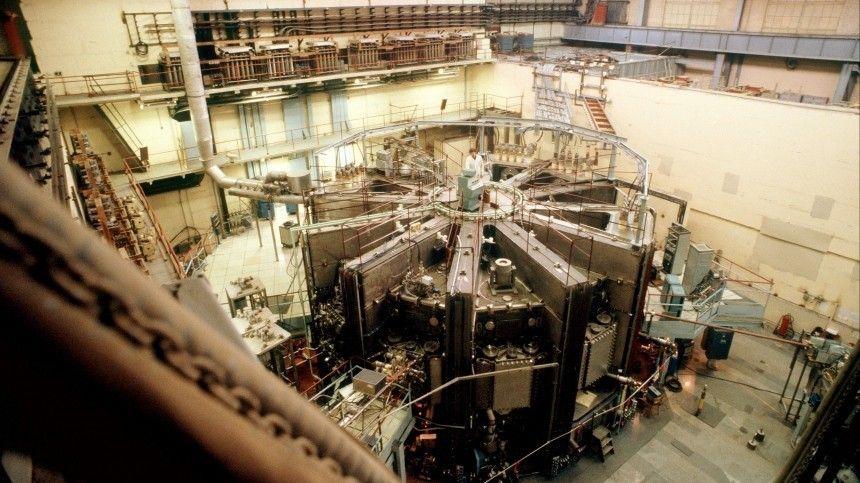 Отечественные специалисты приступили кстроительству четырех энергоблоков надвух АЭС вКитае изапустили установку, вкоторой достигается температура выше, чем наСолнце.
