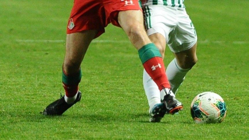 Футболист Ахмата толкнул судью за желтую карточку и спровоцировал драку