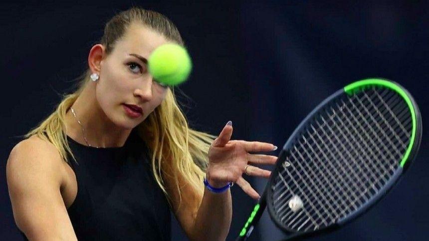 Российскую теннисистку Сизикову освободили из-под стражи в Париже