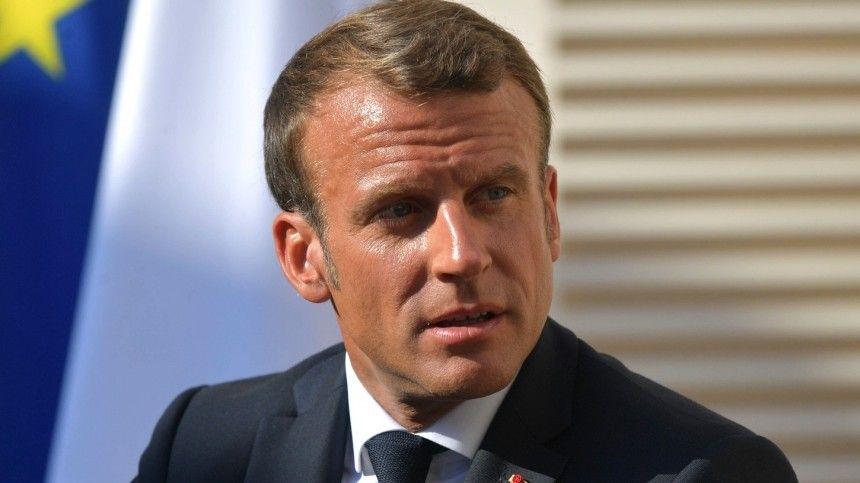 Ударившему французского лидера может грозить дотрех лет тюрьмы исолидный штраф.
