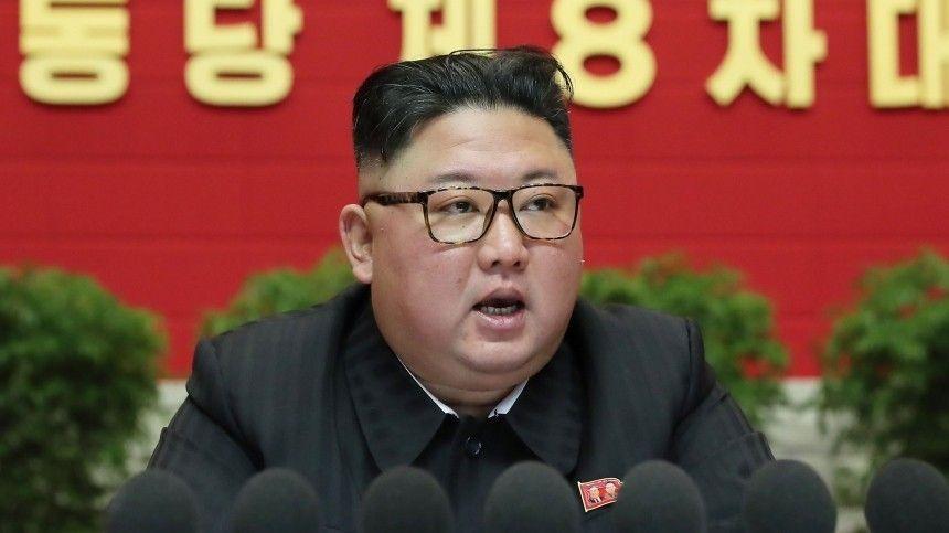 Стиль поведения  начальник: Ким Чен Ын провел совещание с комфортом