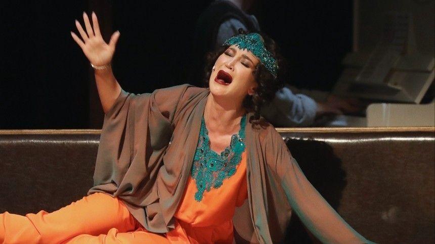 Театр умрет! Давайте назовем его ТНТ: Лужина оценила приглашение Бузовой в МХАТ
