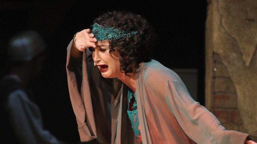 Театр умер: что звезды кино и театра думают о приглашении Бузовой в МХАТ