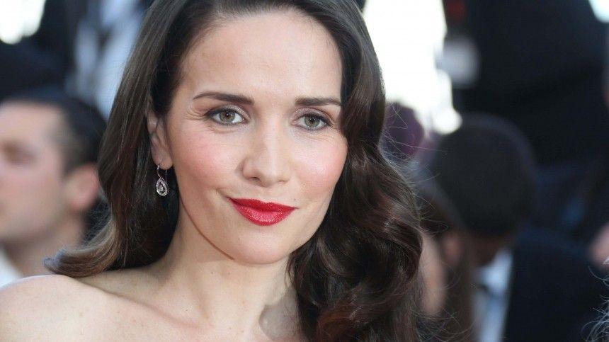 Актриса неоднократно признавалась влюбви РФиеежителям.