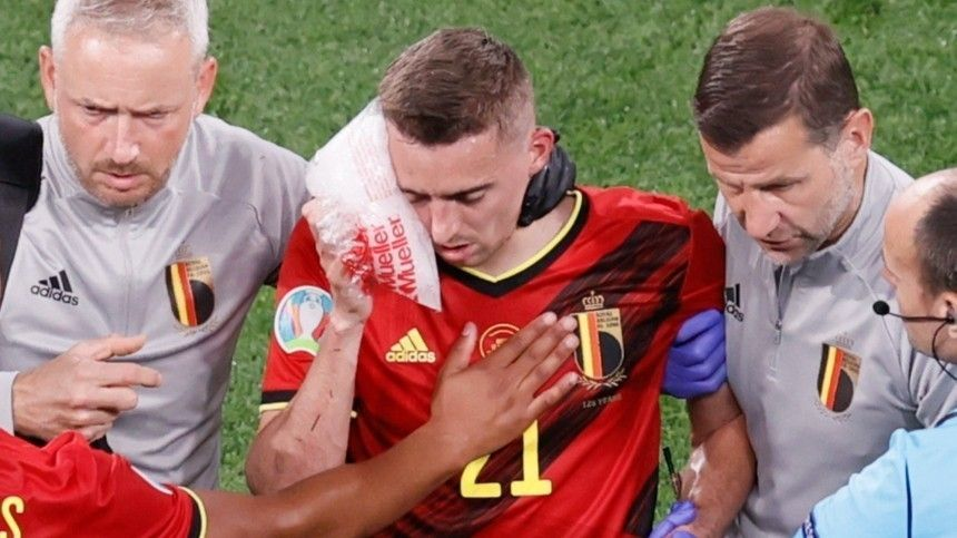 Футболист Тимоти Кастань получил серьезный перелом вматче сРоссией.