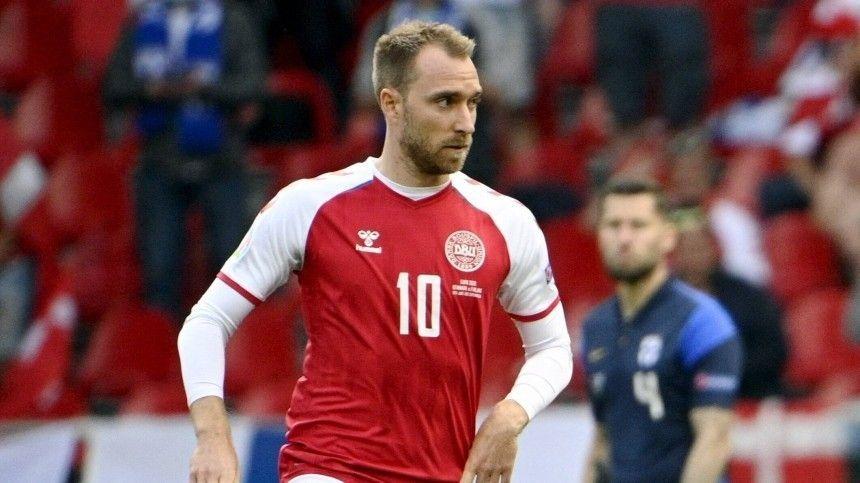 Ранее футболиста, потерявшего сознание прямо вовремя матча наЕвро-2020, вернули кжизни спомощью дефибриллятора.
