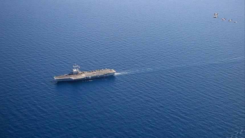 Фрегат HNLMS Evertsen присоединился ккораблям британского флота еще 22мая для усиления полинии противовоздушной обороны.