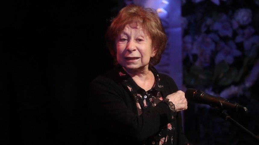 Поющая телеведущая получила зарепетиции идва спектакля вМХАТ имени Горького почти полмиллиона рублей.