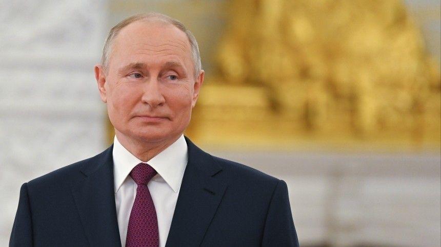 Российский лидер отметил, что его совсем незадело скандальное интервью американского коллеги.