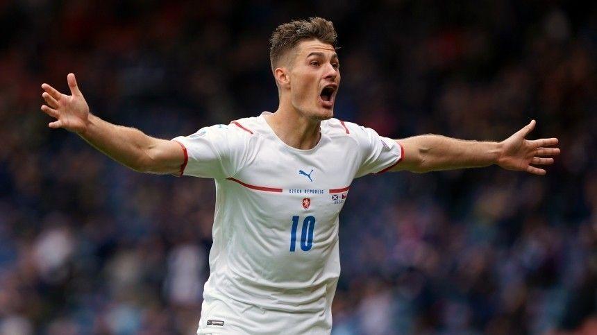 Матч проходил вГлазго изакончился победой сборной Чехии сосчетом 2:0.