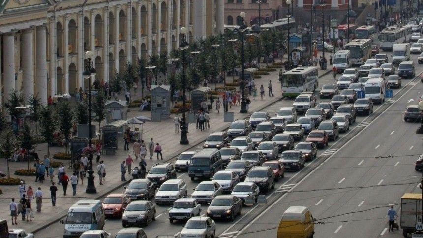 Также «Росасфальт» хочет, чтобы автомобилистам предписали обязательное наличие опознавательного знака «Ш» под стеклом.