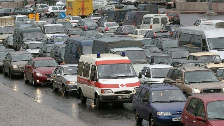 Из-за футбольного матча Евро-2020 ограничат движение транспорта наКрестовском острове ивцентре города.