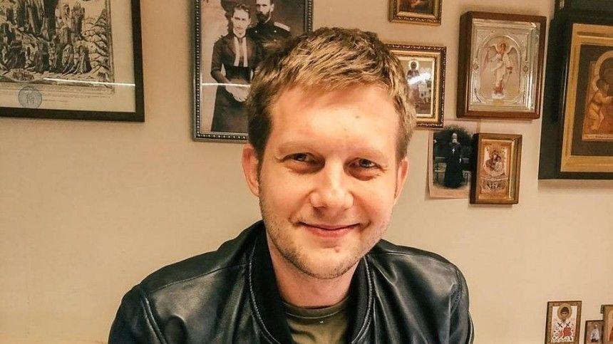 Телеведущий свосторгом отреагировал напервую женитьбу актера Вячеслава Разбегаева всороклет.