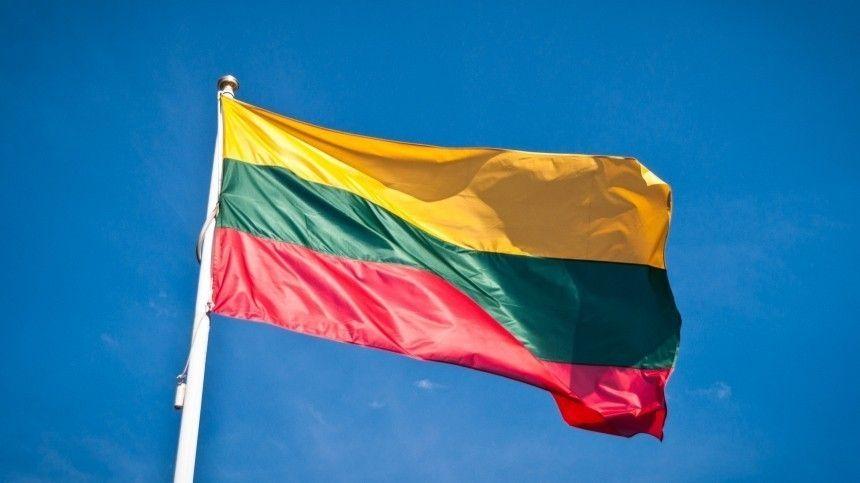 Также сподобными обвинениями выступил главный штаб сил обороны Эстонии.