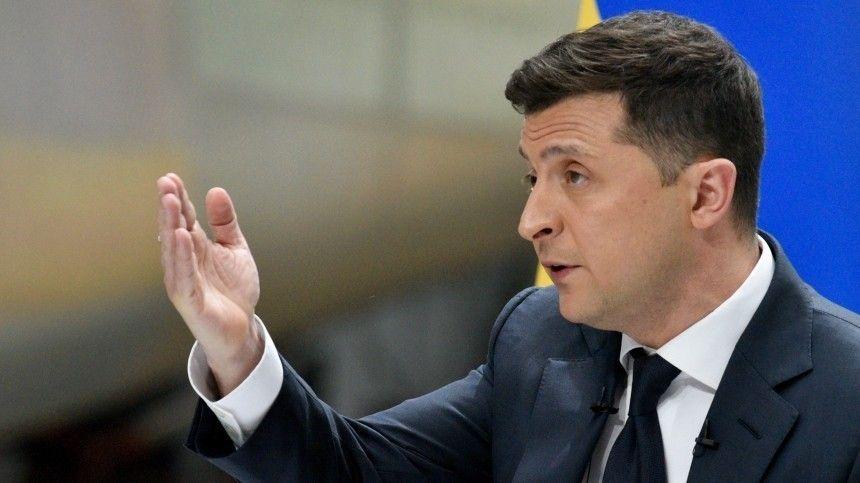 Президент призвал Европу помочь остановить конфликт вДонбассе.