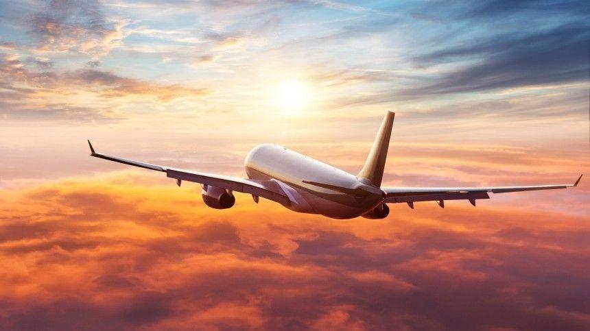 Вылетающим вЕкатеринбург людям, пришлось ждать вылета около 18 часов.