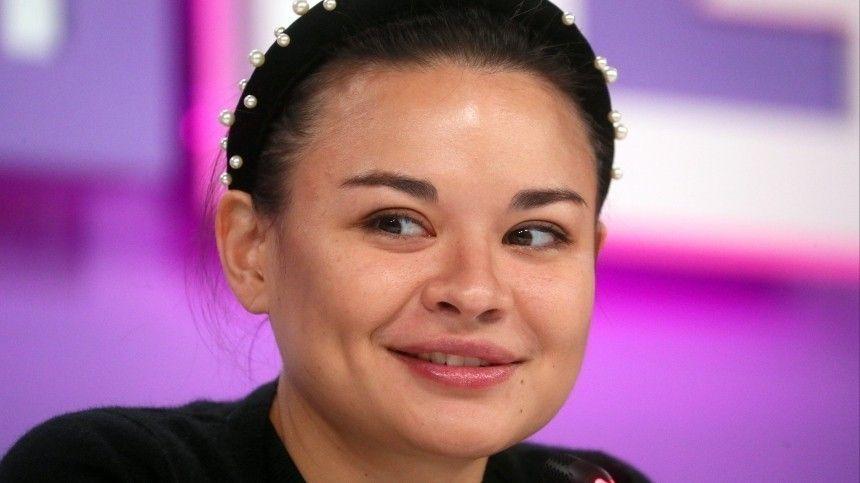 Дочь главы Минобороны РФиблогер Алексей Столяров ждут девочку.