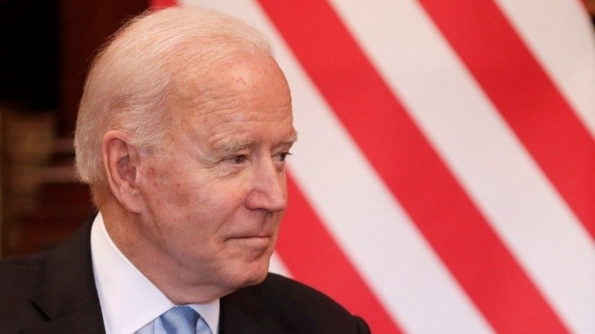 Американский лидер наженевской встрече подсматривал взаписи, нороссийский коллега нестал осуждать его заэто.