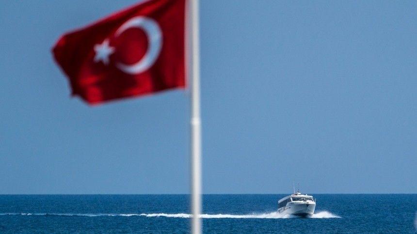 Авиасообщение с Турцией могут возобновить уже 1 июля
