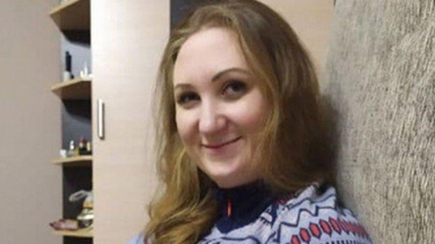 Кэтрин Сироу проживала вНижегородской области. Поофициальным данным, всередине июня еенамашине увез неизвестный.