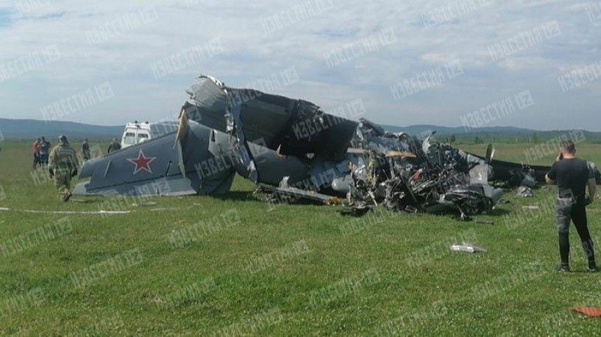 Врезультате авиакатастрофы, которая произошла утром всубботу, 19июня, погибли семь человек, 13 получили травмы. Заихжизни борются медики.