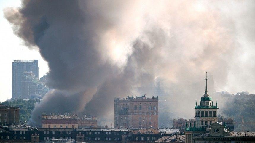 Ранг пожара наскладе врайоне Лужников поняли дотретьего.