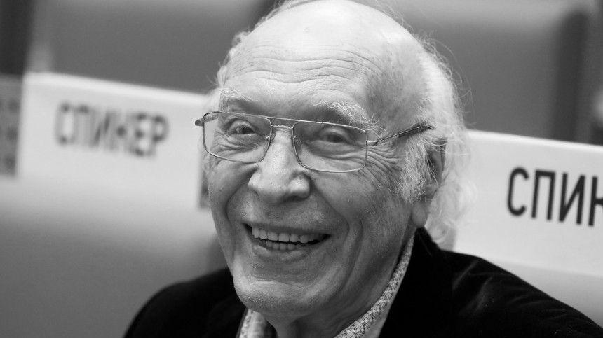 Знаменитый ведущий долгие годы посветил Всесоюзному радио ипрограмме «Время».