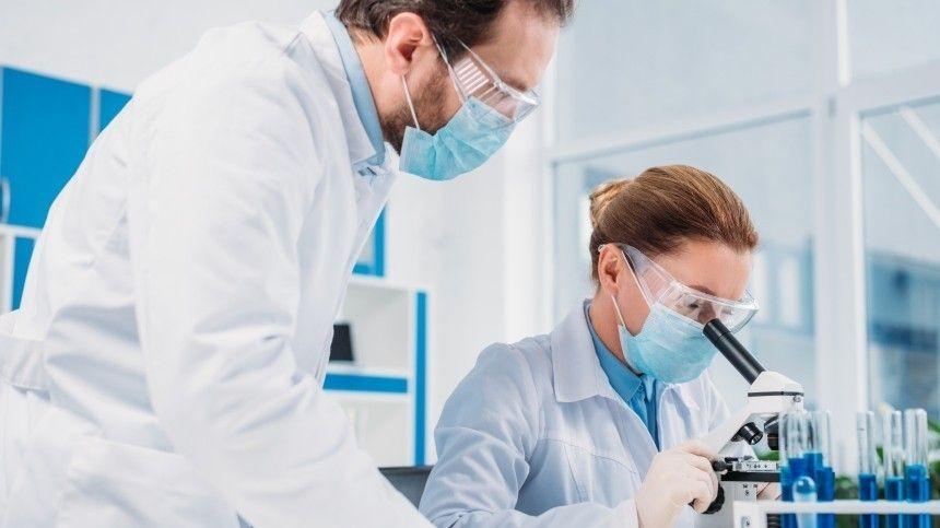 Ученые прокомментировали один изсамых распространенных мифов обантиковидной вакцине.