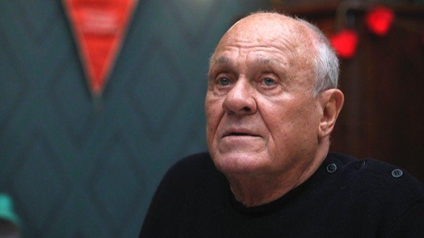 Артист признался, что считает режиссера выдающимся деятелем.