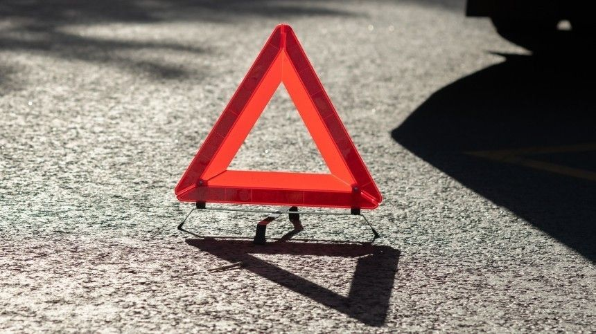 Девушка на Lexus протаранила машину скорой на перекрестке в Москве  видео