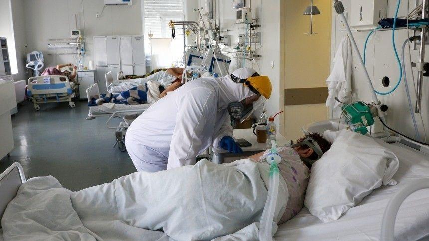 Эксперт ведомства Владимир Чуланов также рассказал оподходах клечению COVID-19 испособности имеющихся вакцин противостоять разным версиям вируса.