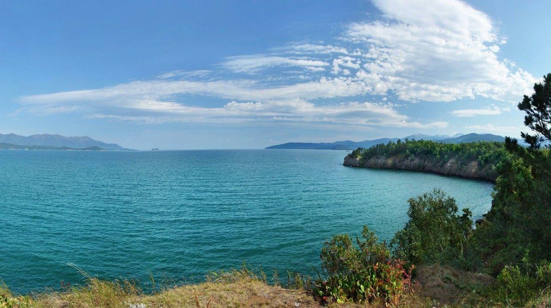 Почему Малиновое озеро имеет розовый оттенок? Насколько глубок Байкал насамом деле?