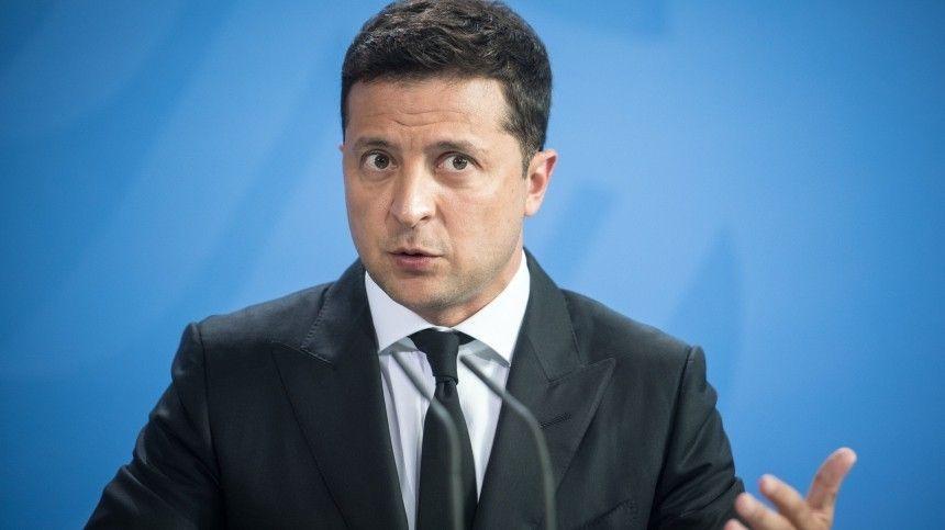 Политолог Алексей Мартынов заметил, что глава украинского МВД решил покинуть свой пост сразу после разговора тет-а-тет спредставителемСША.
