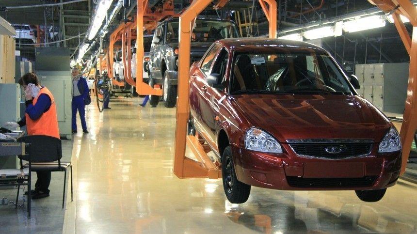 Запоследние месяцы российский автопроизводитель уже несколько раз останавливал выпуск некоторых моделей из-за проблем споставками электронных комплектующих.
