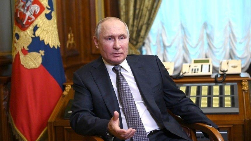 Накануне президент России объяснил, кому адресовал свою статью орусско-украинском единстве.