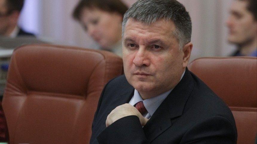 Эксперты считают, что экс-министр сохранит свой политический вес после отставки.