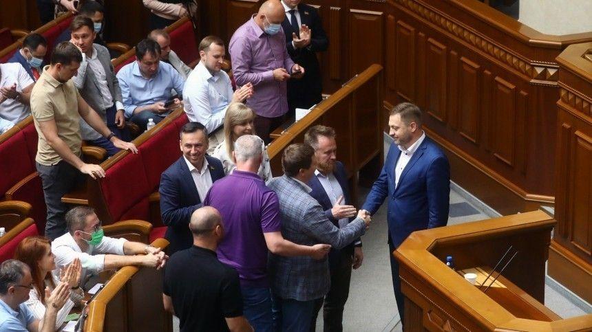 Оппозиция была против предложенной Зеленским кандидатуры Дениса Монастырского.