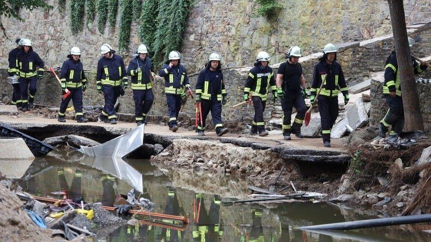 Апокалиптические массы воды застали людей врасплох— всамой развитой стране Европы никто неполучил даже предупреждения.