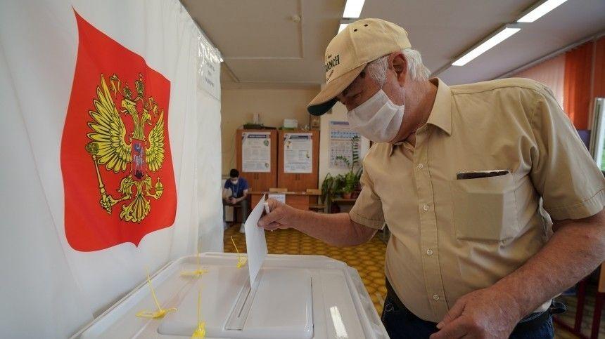Заместитель секретаря Генсовета партии «Единая Россия» Евгений Ревенко раскритиковал действия коммунистов впреддверии думских выборов.