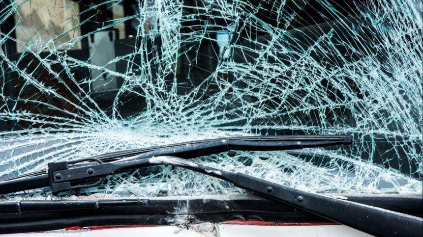 Ваварии один человек погиб идевять пострадали.